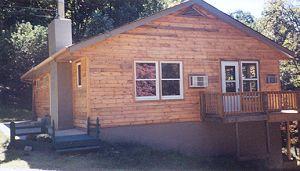 Dogwood mountain retreat photos virginia cabin rentals for Cabin rentals near luray va